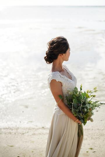 大人なドレスコーデが似合う花嫁