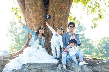 家族みんなでプロップスを使って撮った楽しそうな写真